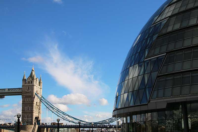 tower-bridge-contrast