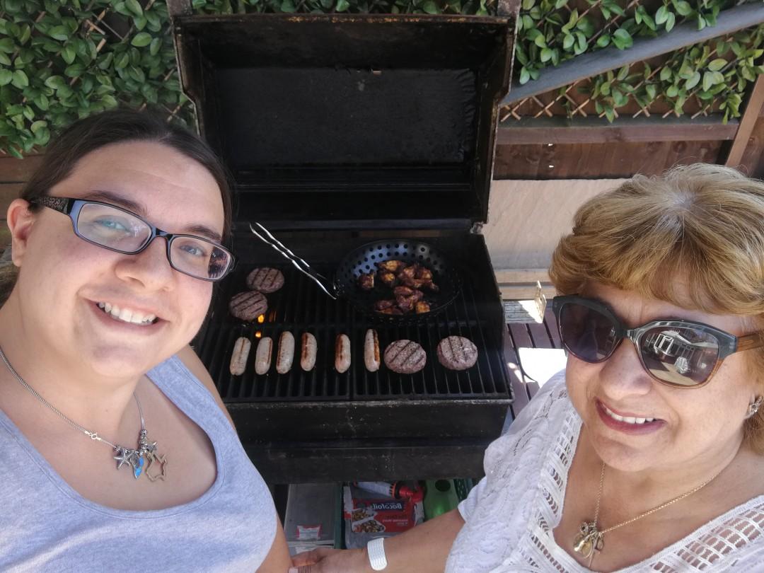 Carla and Mum BBQing | carlalouise.com